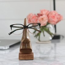 glasses-office-accessory-decor