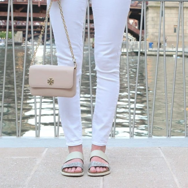 white_jeans_sandals