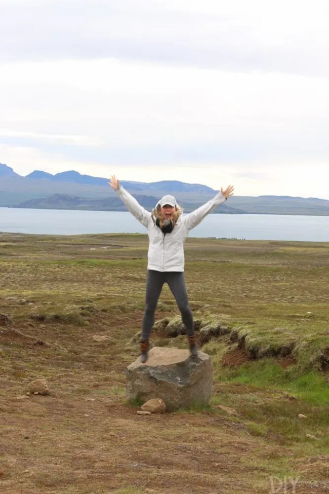 Travel_Iceland-casey-raincoat-golden-circle