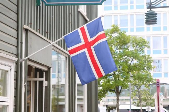 Travel_Iceland_Reykjavik-flag