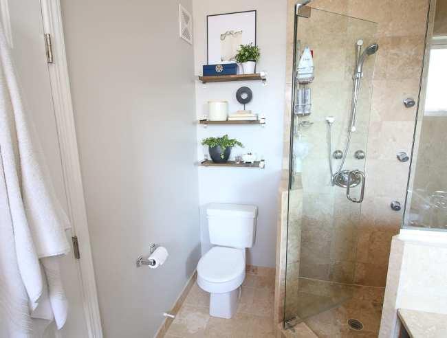 bathroom-augusta-toilet-shelves