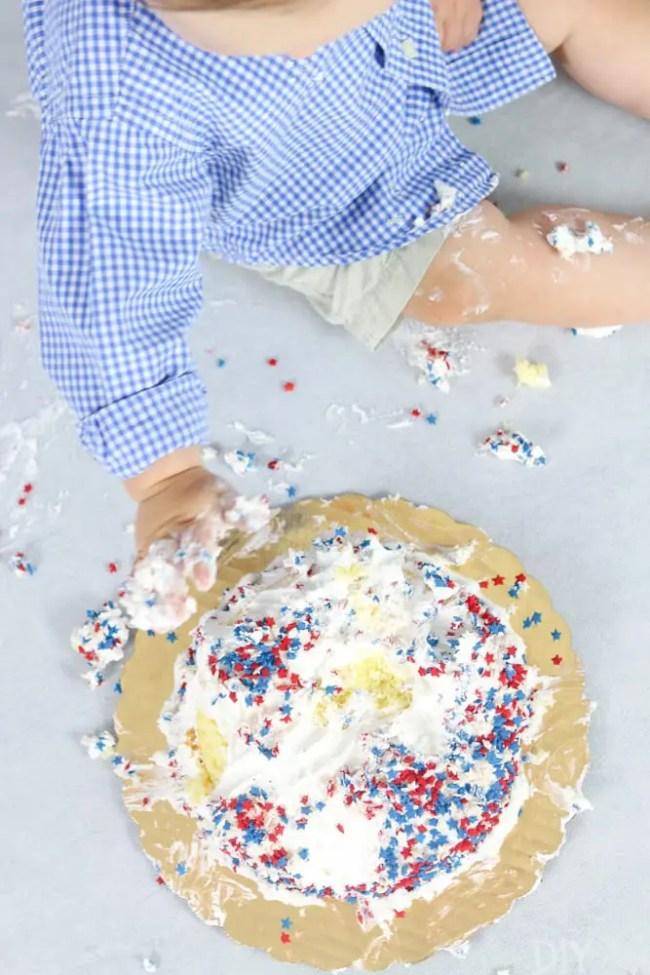 How_to_DIY_Smash_cake_photoshoot_Owen-8