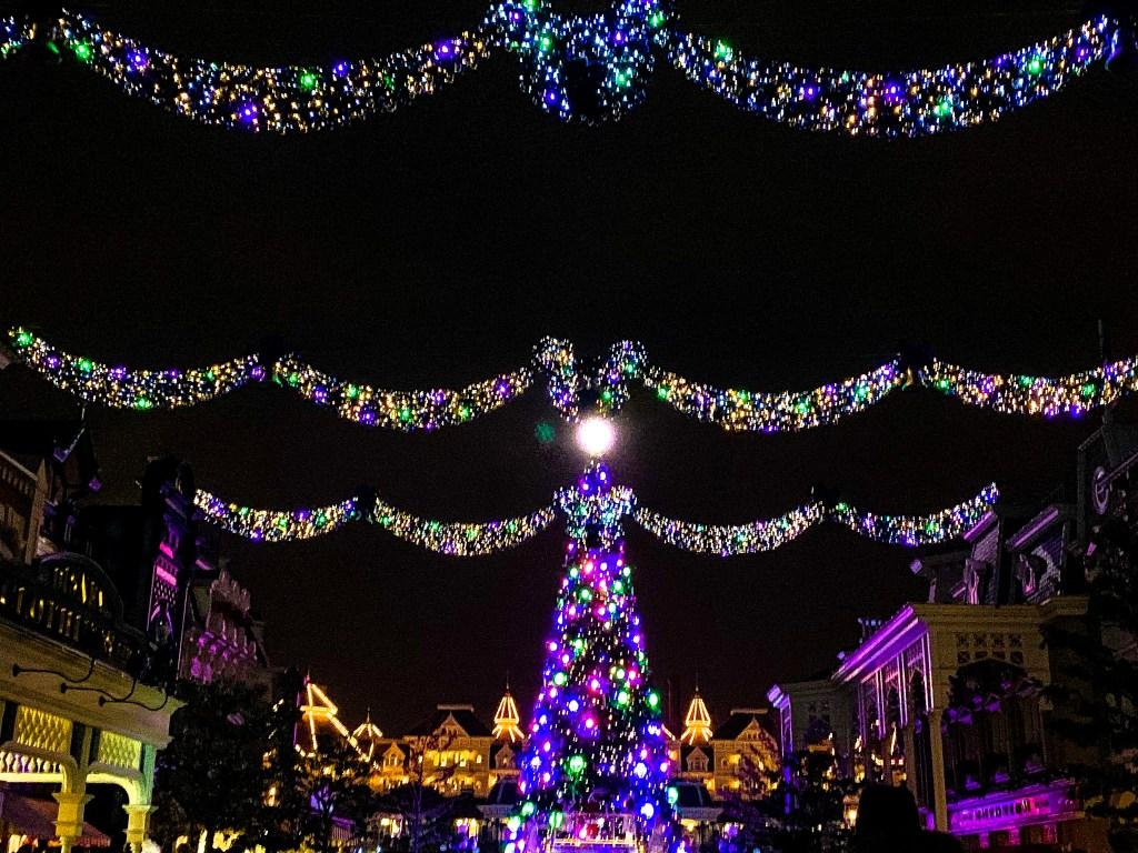 Disneys Enchanted Christmas Magical Lights