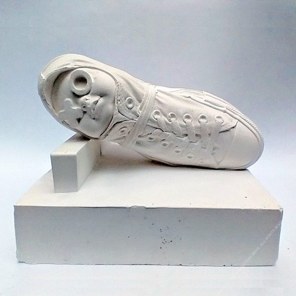 IN-BOUND SLEEP - Plaster, Wood. 25 x 26 x 26 cm. 2019. Ed.10
