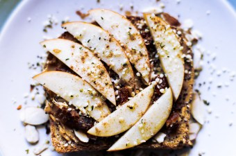 Almond butter toast with sliced apples