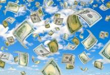 dollars flying in sky 863 x 555 (123RF)