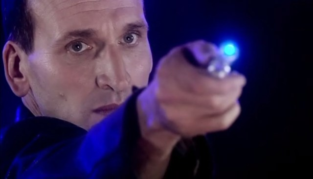 DOCTOR WHO CLASSIC FIGURE THE 9th NINTH DOCTOR with SONIC CHRISTOPHER ECCLESTON