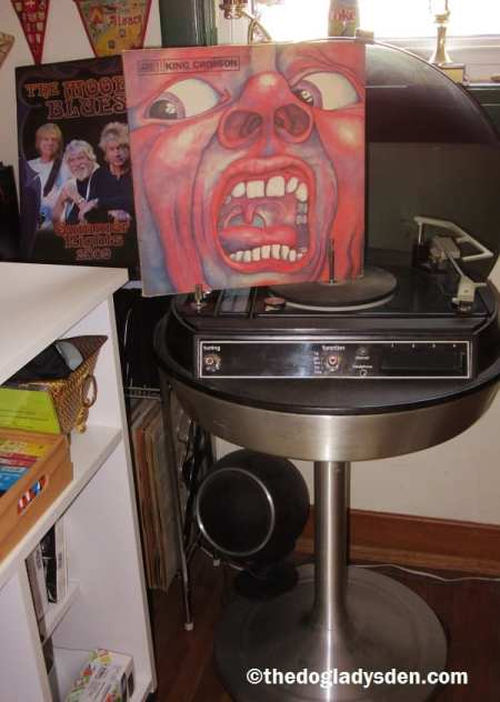 EPITAPH | #AtoZChallenge: King Crimson album and vintage stereo