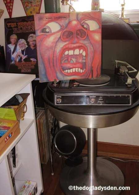 EPITAPH   #AtoZChallenge: King Crimson album and vintage stereo
