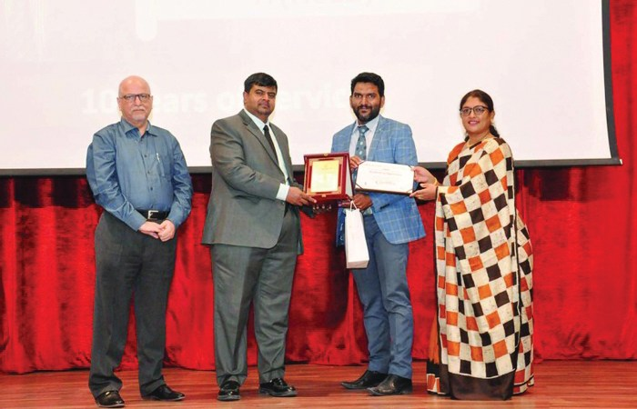 DPS-Modern Indian School honours long-serving employees