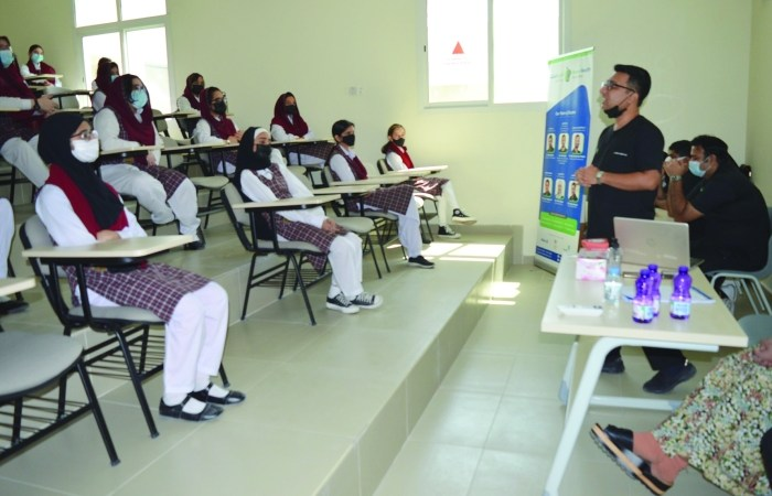 PISQ students receive tips on good dental and oral hygiene