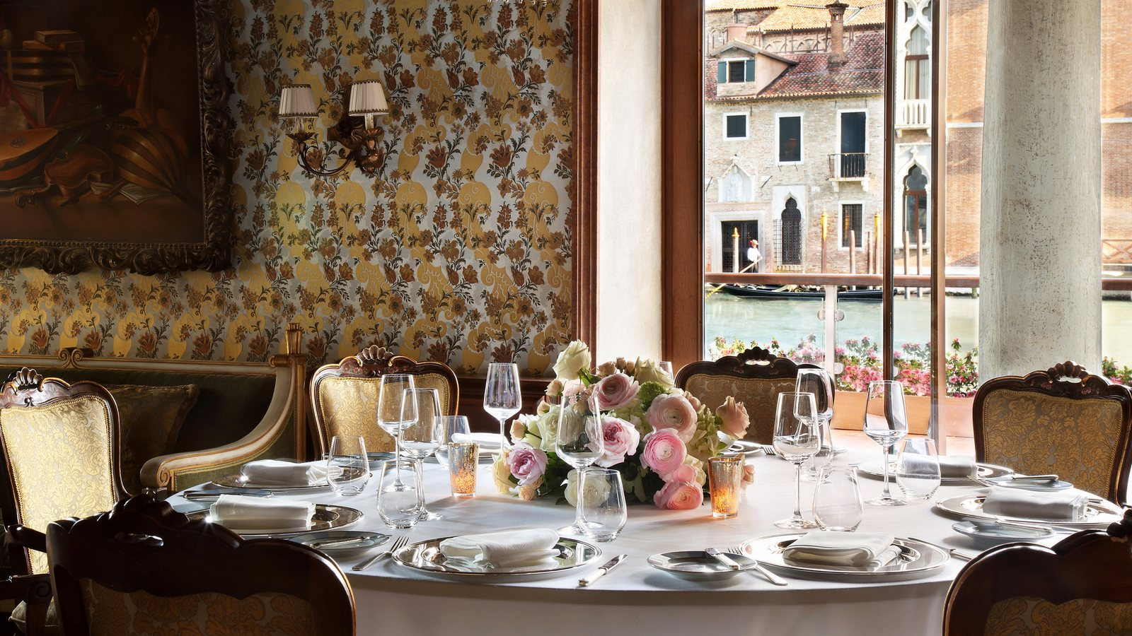 The-Gritti-Palace-Venice-Meetings-Club-del-Doge-Restaurant-Wedding-Setting