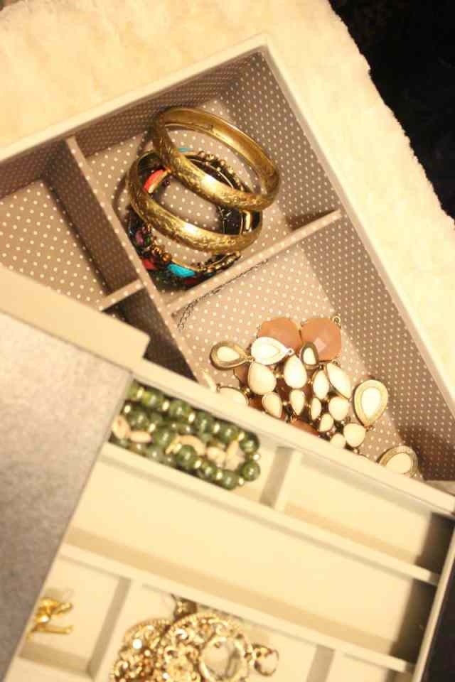 orgnaized jewelry box