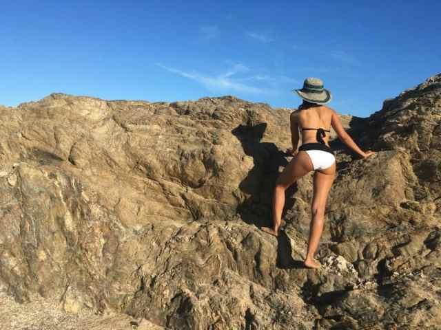 2 piece swim suits on rocks3