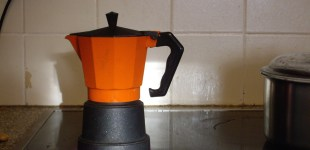 Italian stove top coffee pot - 08 December