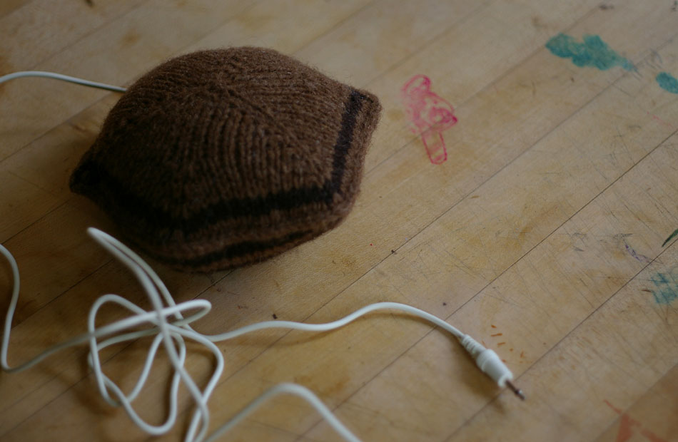 01-knitsonik-pillow