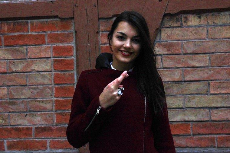 The Dorie Finger überkreuzt für Wählen