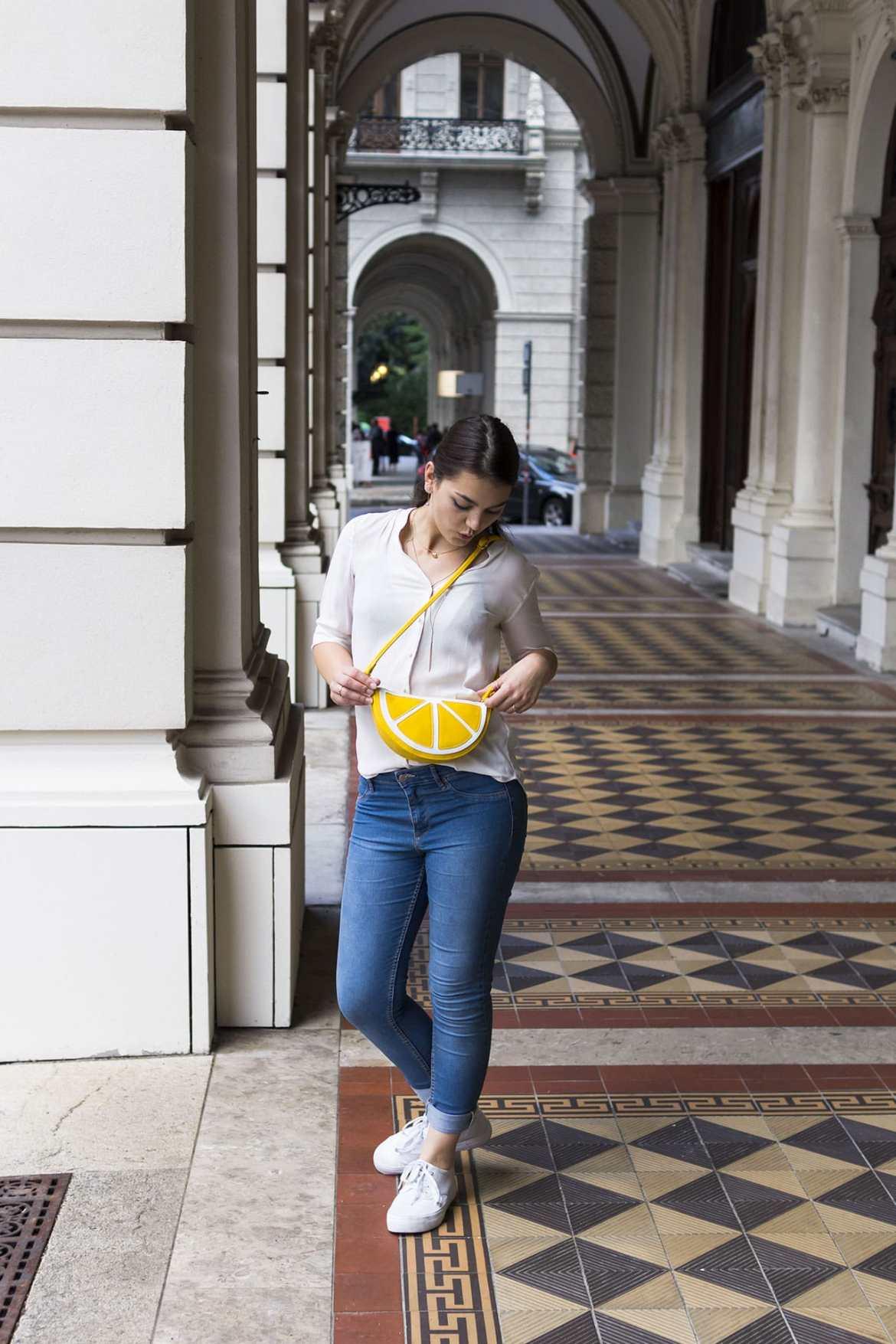 White Blouse H&M bölue jeans H&M white Shoes even&odd and citrus handbag the dorie looks in it