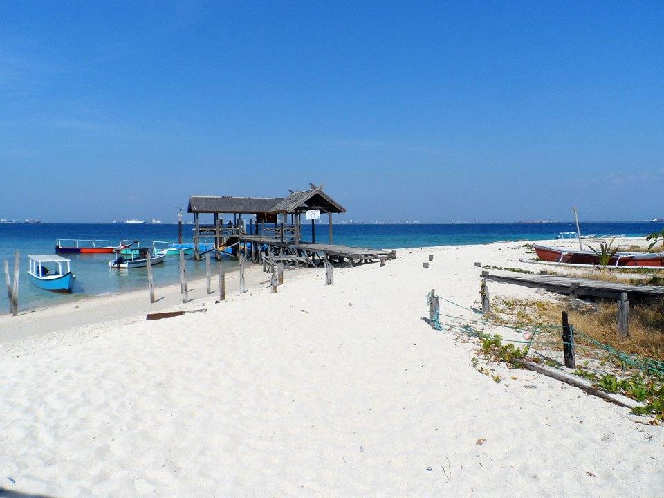 Samalona Island near Makassar