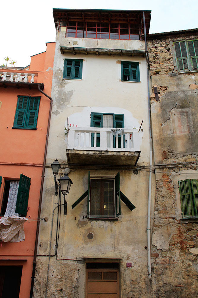Häuserfassade in Ventimiglia