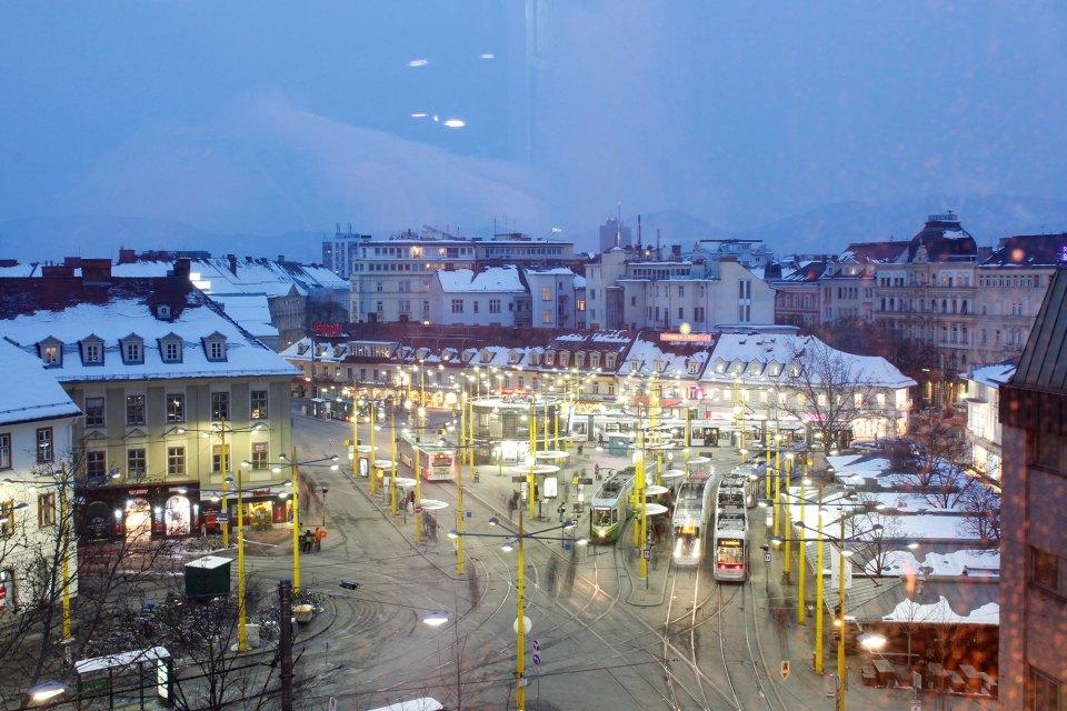 Aussicht vom Area 5 in Graz auf den Jakominiplatz