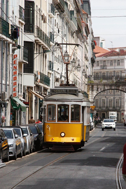 Alte Straßenbahn in Lissabon