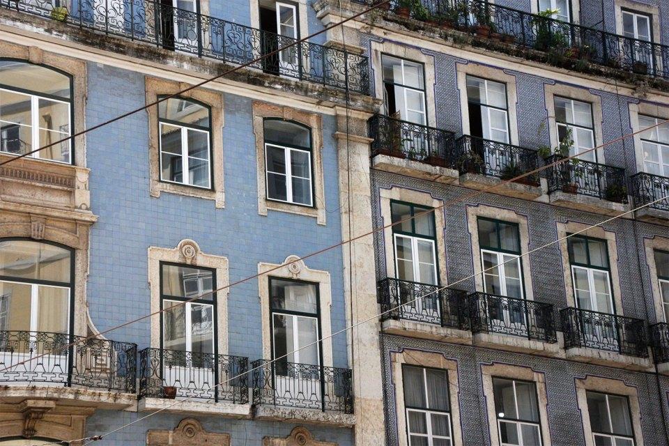 Häuserfassaden in Lissabon