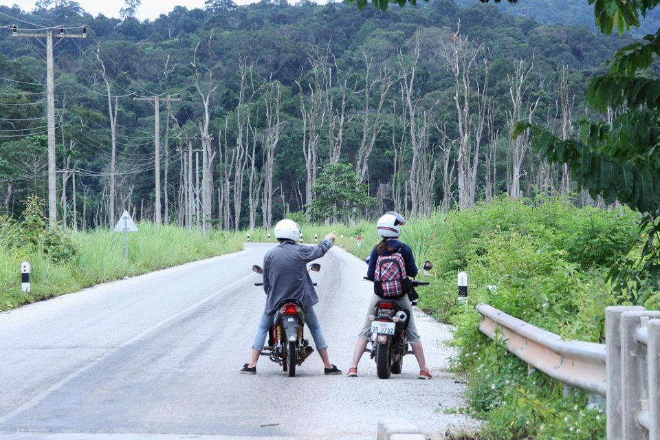 Motorcycling in Lao