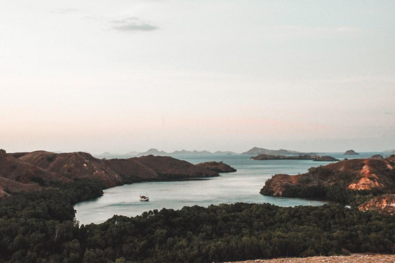 Sonnenuntergang auf der Insel Rinca