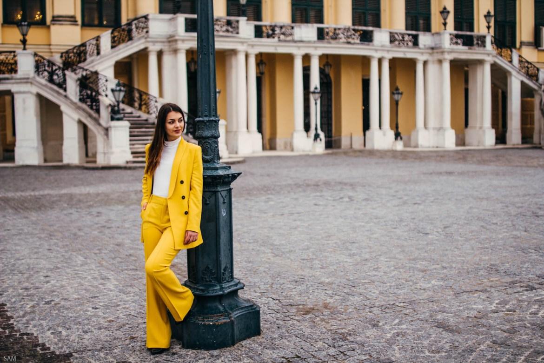 Osteroutfit Gelber Anzug