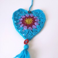 A Whimsical Thrill :: Crochet Heart Door Hanging