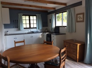 Highbourne self-catering cottage - kitchen
