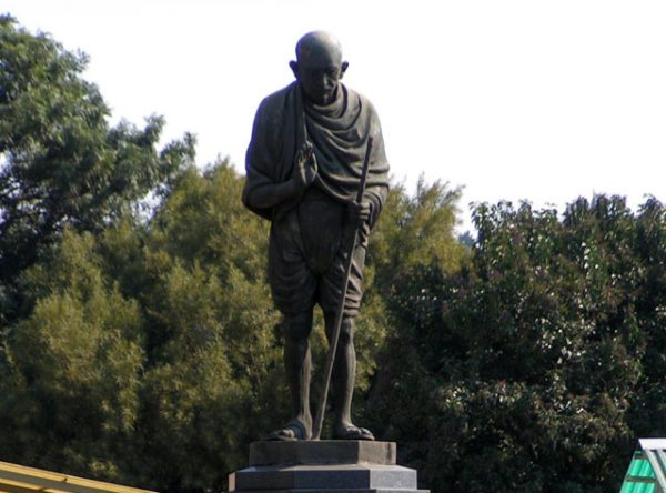 Ladysmith: Mahatma Gandhi statue, Lord Vishnu Temple.