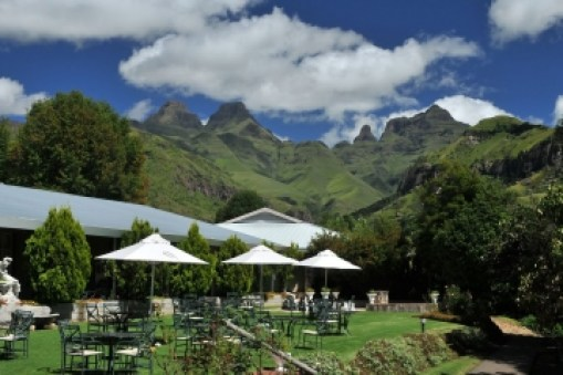 Drakensberg Hotels: Cathedral Peak Hotel