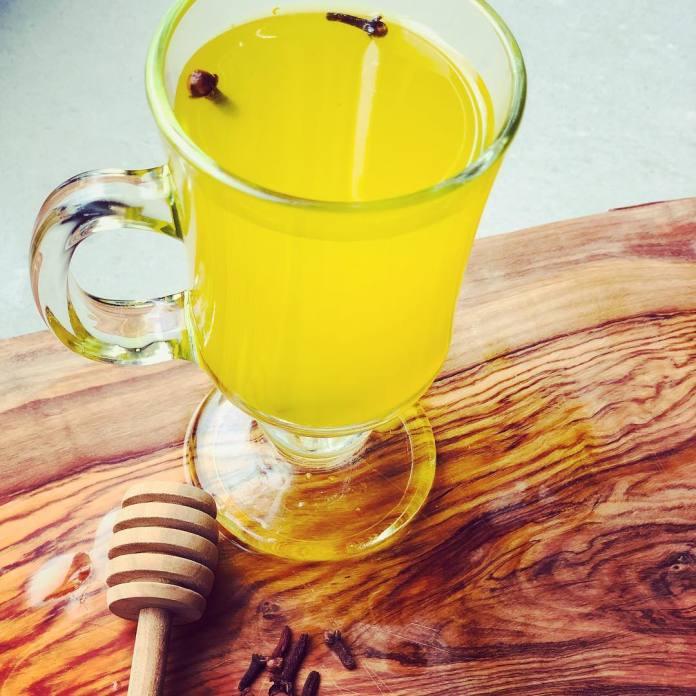 Health benefits of turmeric herbal tea