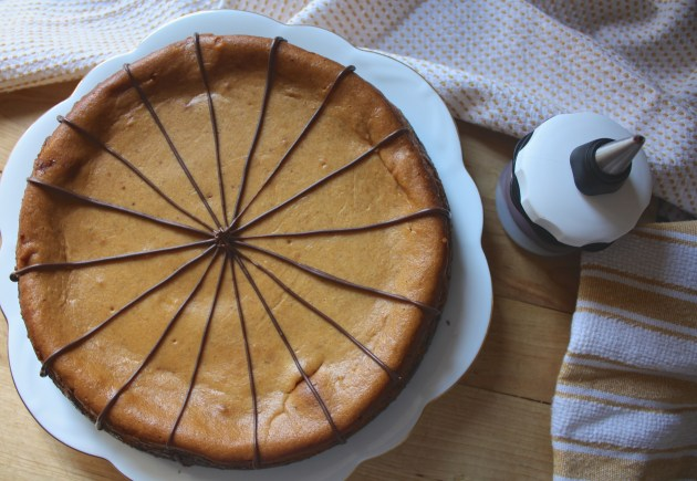 Pumpkin Cheesecake with Gingerbread Cookie Crust