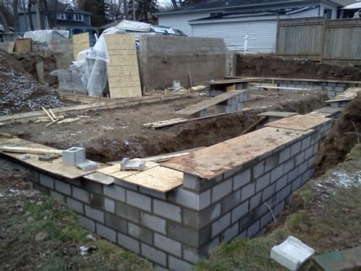 Foundation walls coming along