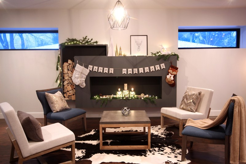 Dreamhouse Project DIY faux fireplace & Christmas decor
