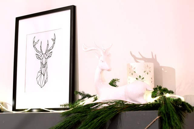 Dreamhouse Project Christmas home tour mantle decor & reindeer artwork