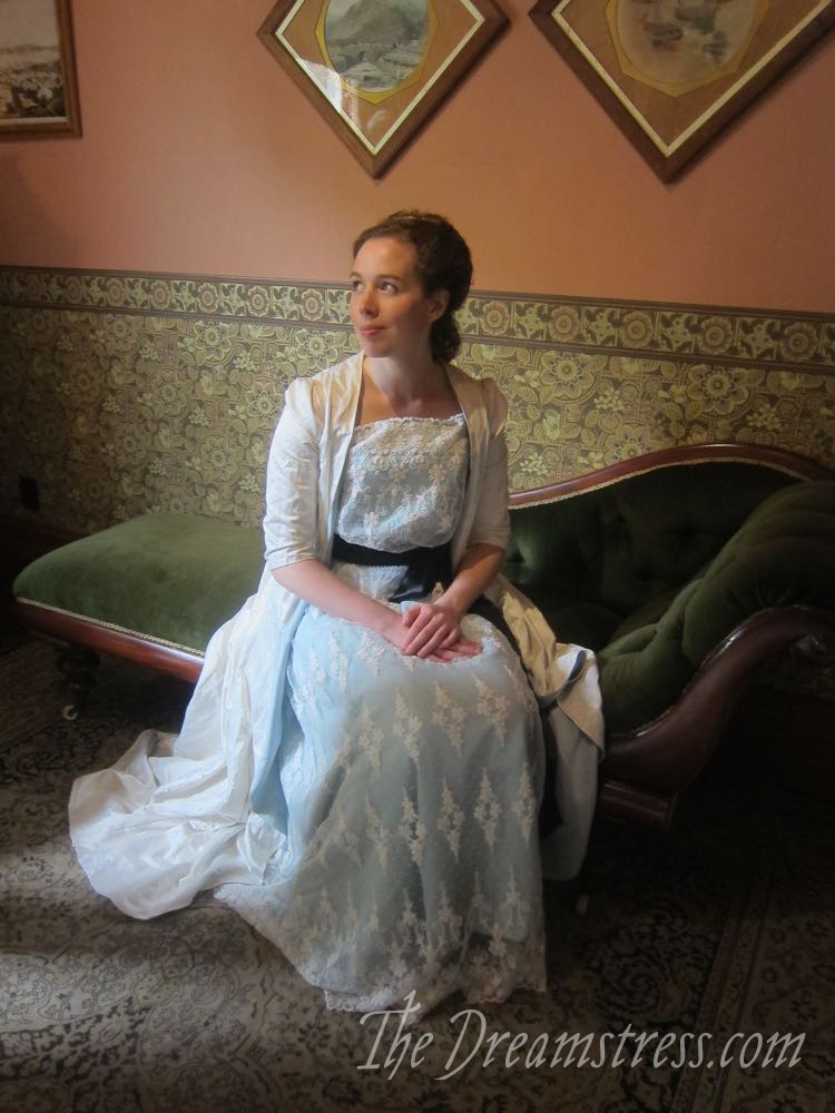 A photoshoot at the Katherine Mansfield Museum thedreamstress.com