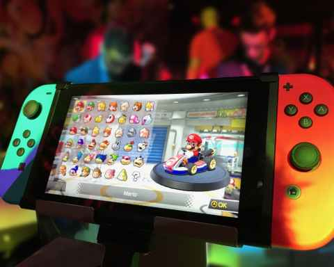 turned on red and green nintendo switch