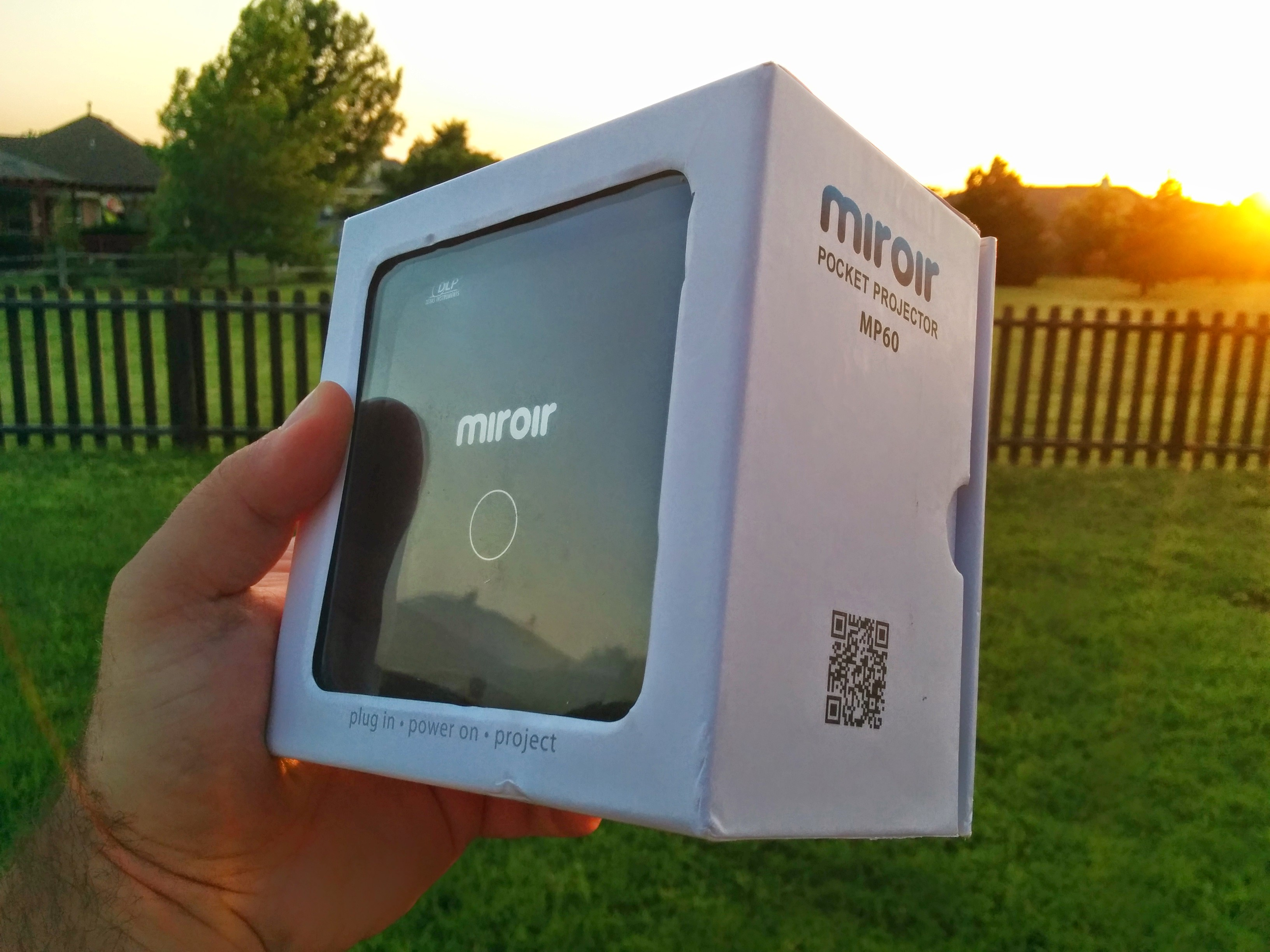 Product review miroir mp60 pocket projector the droid for Mp60 pocket projector