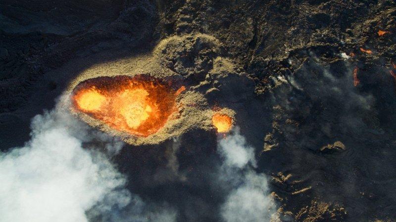 Piton-de-la-fournaise-volcano-by-DroneCopters