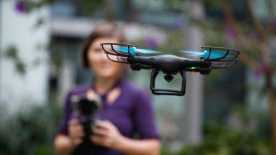 drones cost under $200