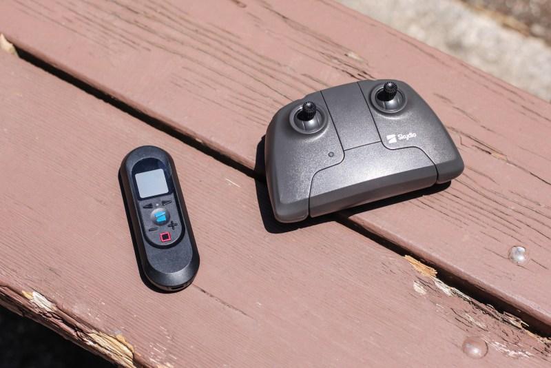 Skydio 2 unboxing beacon controller