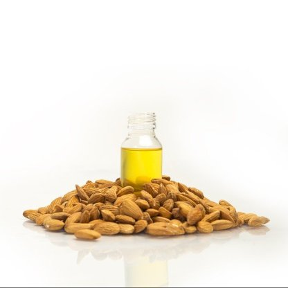 sweet almond oil by droplet