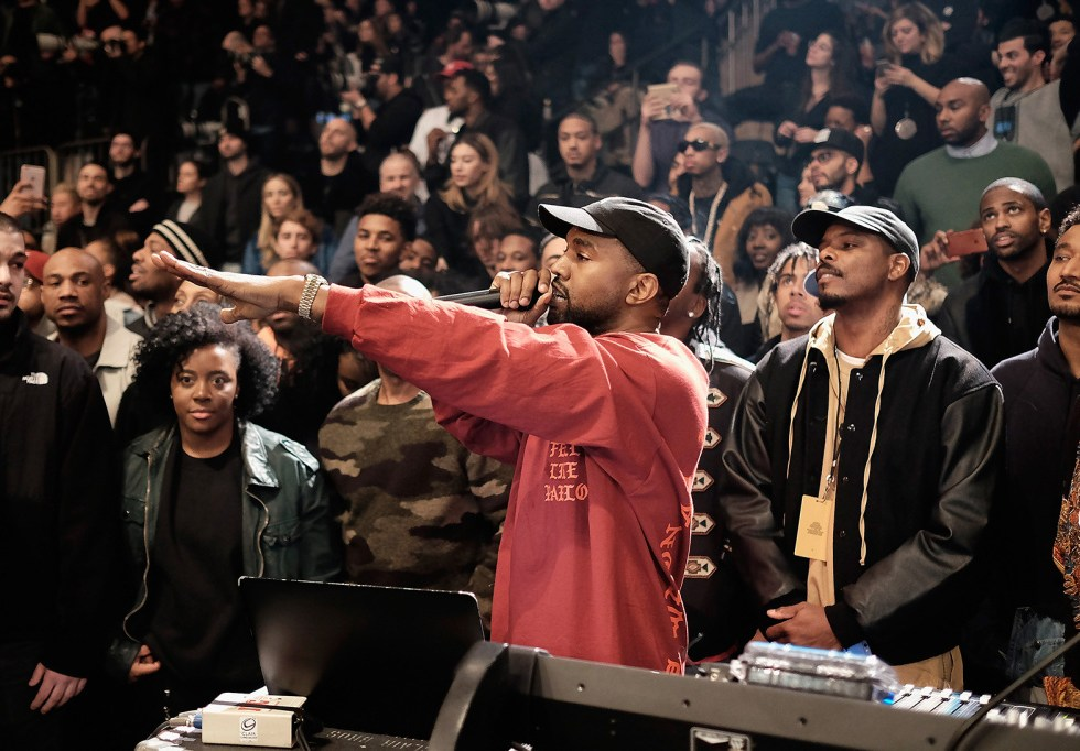 """Kanye West Announces """"Famous"""" Screenings in NYC"""