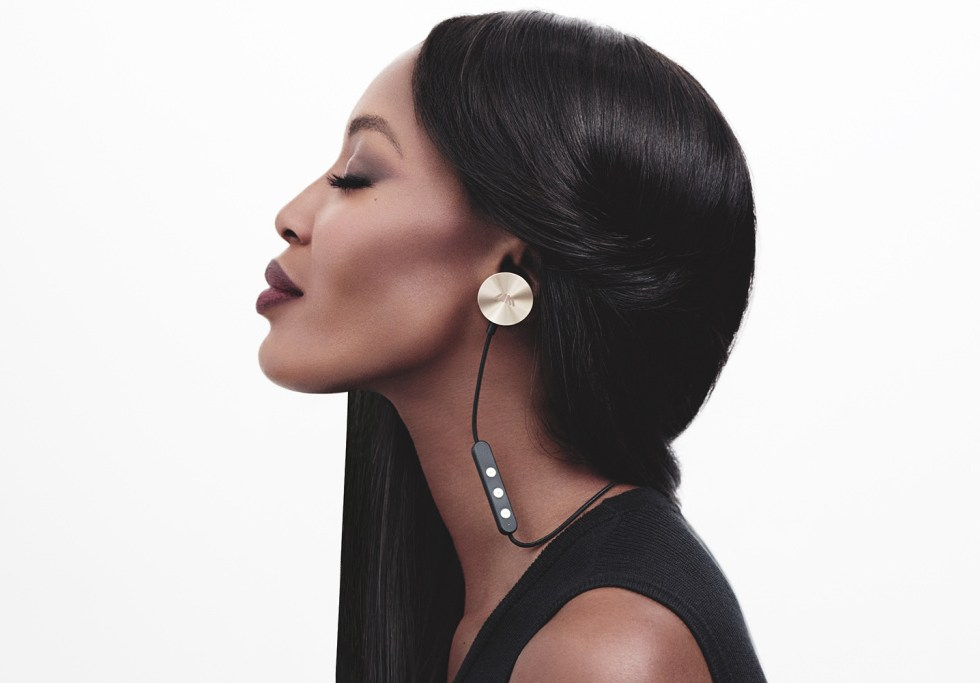 will.i.am Releases Buttons Earphones With Help From Kendall Jenner