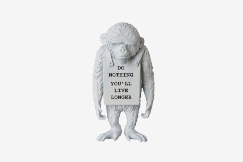 banksy-medicom-toy-monkey-sign-statue-2