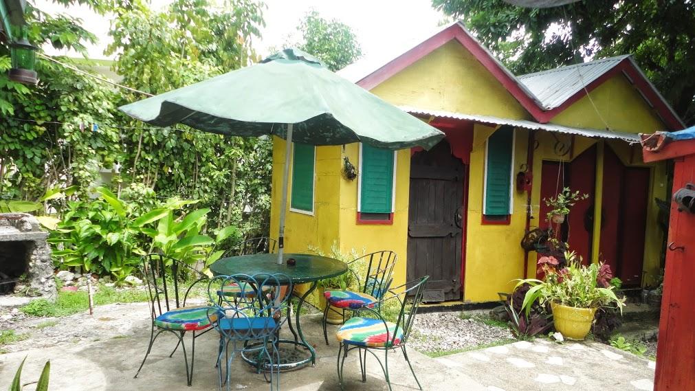 Mikuzi , Charming cottage close to Winifred Beach